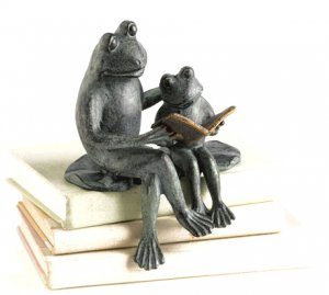 Frogs Reading Shelf Sitter