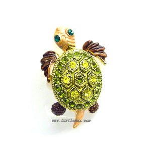Bobblehead Green Crystal Sea Turtle Pin